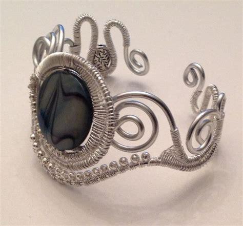 Handmade Wire Jewelry Tutorials - 25 best ideas about handmade wire jewelry on