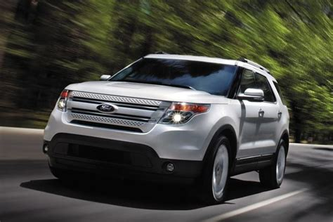 Jeep Explorer 2014 Jeep Grand Vs 2014 Ford Explorer Which Is