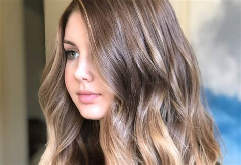 18 most flattering long hairstyles for round faces 2019