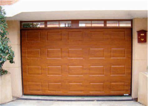 puerta de cochera puertas de cochera seccionales lia gama aluminios