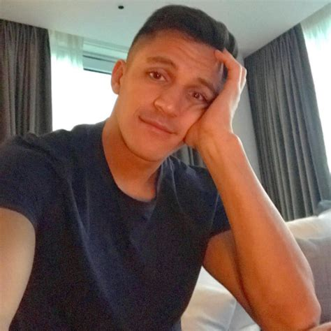 alexis sanchez instagram alexis sanchez looks bored as arsenal leave ace out of
