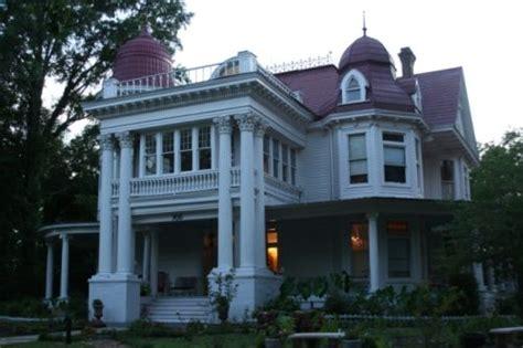 allen house monticello arkansas the allen house was built in 1906 for joe lee allen his wife caddye ladell the