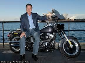 Motorrad Online Email by Arnold Schwarzenegger And Girlfriend Heather Milligan