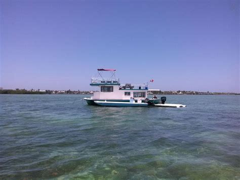 airbnb boats in key west 17 images about houseboats on airbnb on pinterest