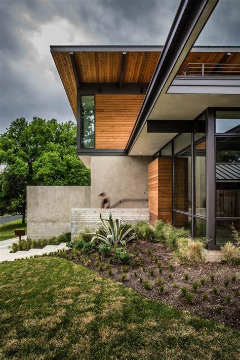 modern house   concrete  wood facade