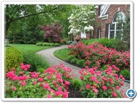 Fourseason Rosses low maintenance front yard landscaping front