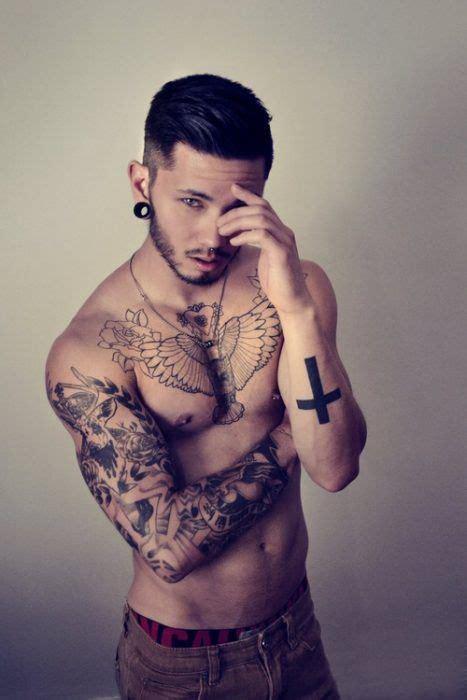 m 225 s de 25 ideas incre 237 bles sobre tatuajes hombre pecho en