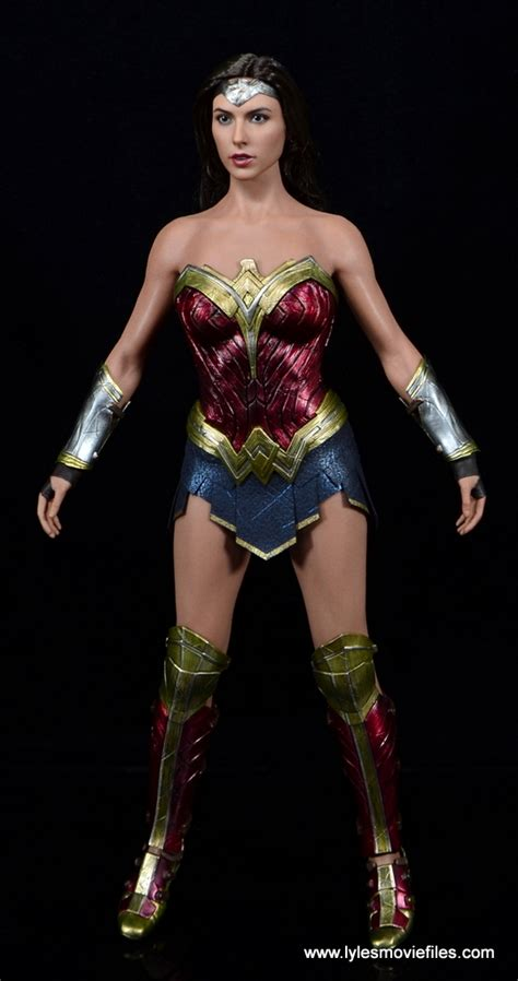 Figure Wonderwoman toys figure review batman v superman