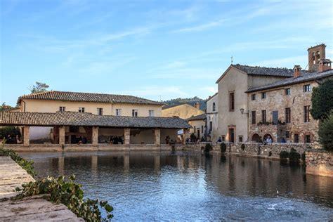 bagno vignoni toscana bagno vignoni and the val d orcia in tuscany visit tuscany