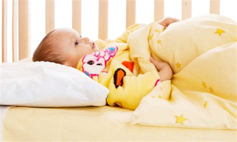 Ways To Help Baby Sleep In Crib 4 Ways To Transition Your Baby From Co Sleeping To