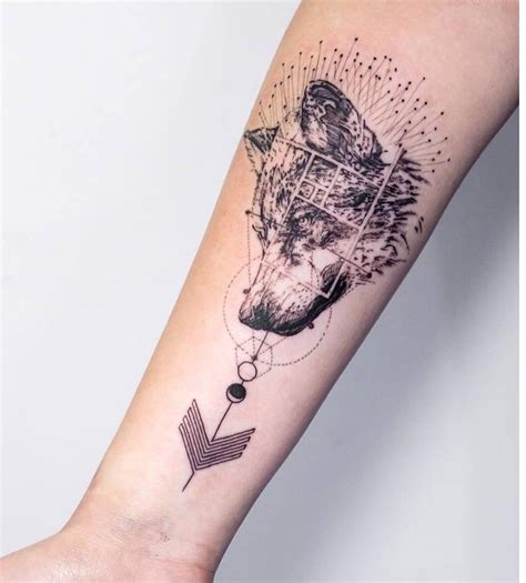 small wolf tattoo designs best wolf to howl at the moon top 161 of all time