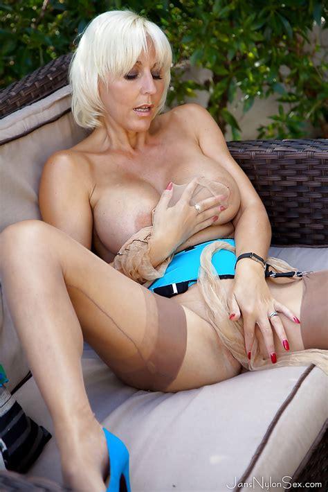 Busty Blonde Dame Jan Burton Removes Pantyhose For Outdoor masturbation