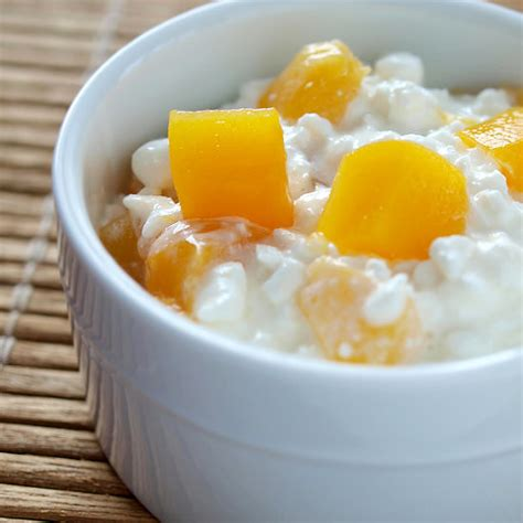 cottage cheese with fruit the snacks you need after a