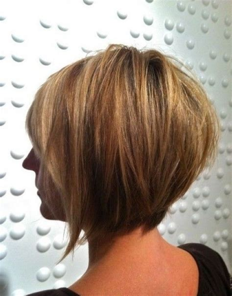 show pictures of the back of a short shag hairstyle graduated layered bob back view www imgkid com the