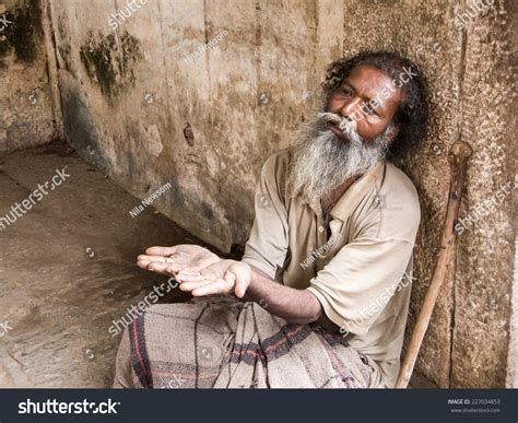 Beggars In India Essay by Essay On Indian Beggar