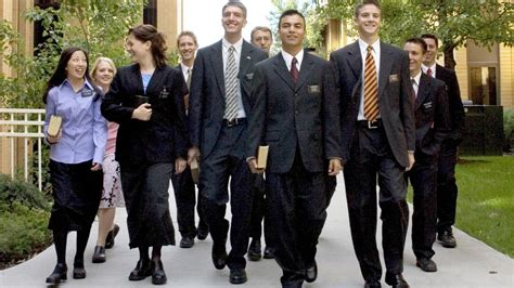 imagenes de elderes sud video a day in the life of a mormon missionary in london