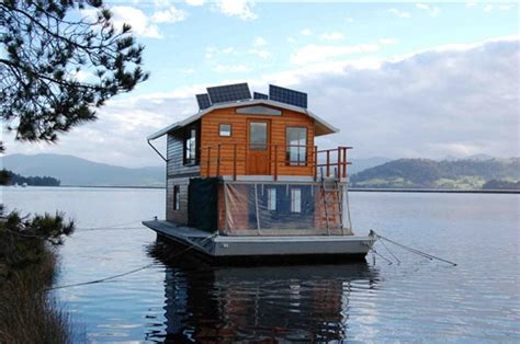 houseboat australia mickey s house boat huon river south tasmania sarah s