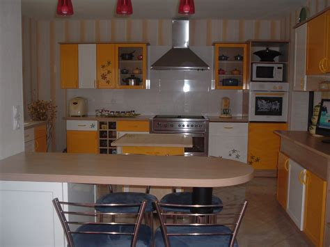 cuisine jaune cuisine jaune ustensiles photo 2 5 cuisine jaune de