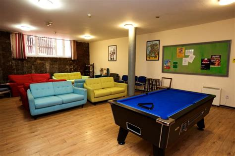 international inn liverpool liverpool international inn in liverpool best hostel in