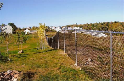 Backyard Fence Company by Chain Link Fence Backyard Fence Company