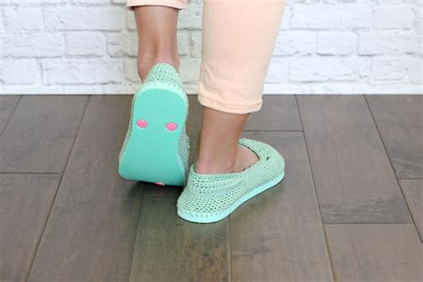 flip top slippers design crochet pattern for flip flop tops traitoro for
