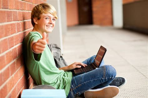 How To Be A Student trending 1 1 device to student ratio education to save
