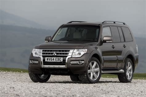 Eiger Targa Ol Black mitsubishi s shogun suv gets a new for 2015 carscoops