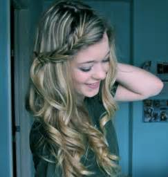 Simple hairstyles for curly hair women s fave hairstyles