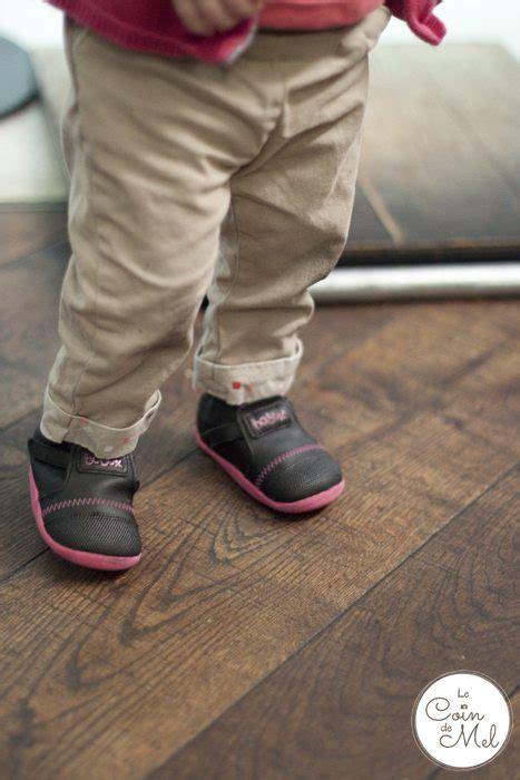 when should start wearing shoes when should my baby start walking le coin de mel