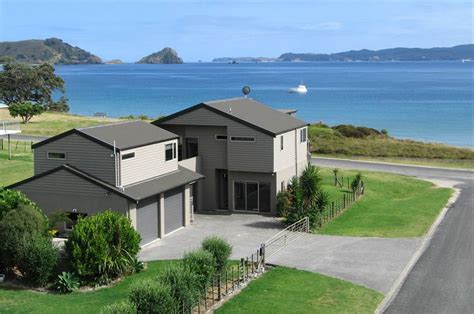 coromandel bach beach home coromandel holiday homes accommodation rentals baches