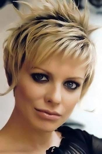 short streaked hairstyles short highlighted haircuts picture number 40