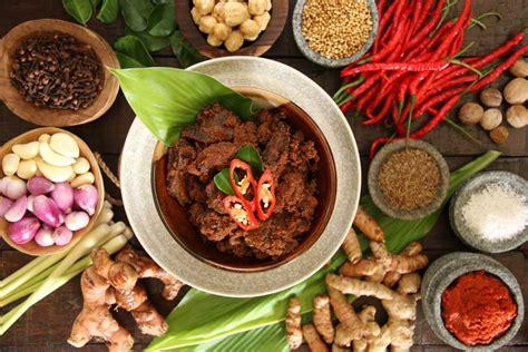 daftar  makanan khas sumatra barat  wajib kalian coba