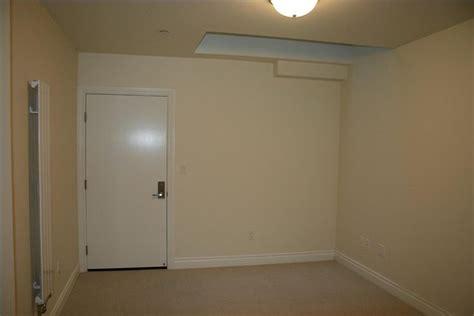 decorate  windowless bedroom dorm designing