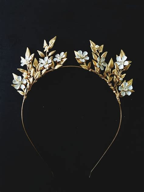 Handmade Crown - 25 hair accessories for a vintage chic