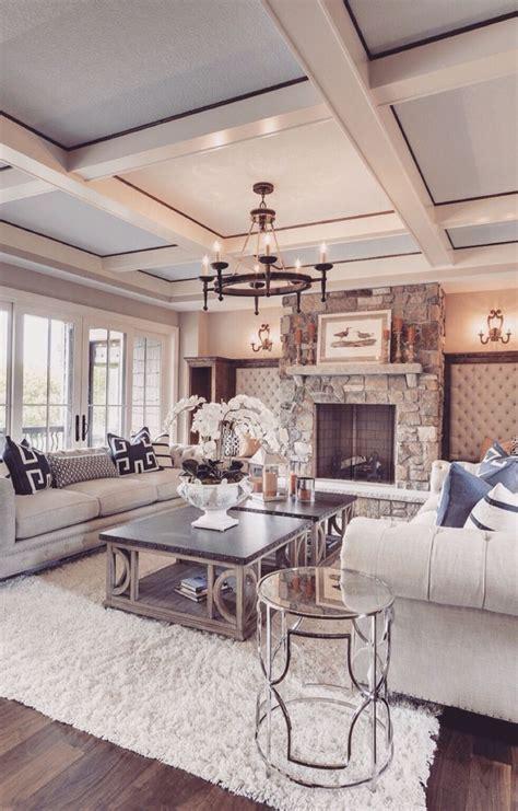 romantisches wohnzimmer die besten 25 silberner couchtisch ideen auf