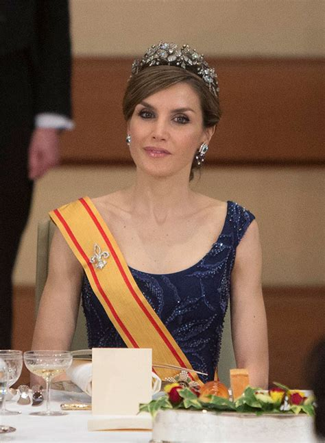 imagenes hola reina la reina letizia en su look m 225 s princesa durante su