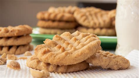 peanut butter biscuit recipe peanut butter cookies food channel