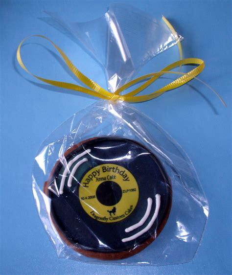 record cookie  sockhop party closeup