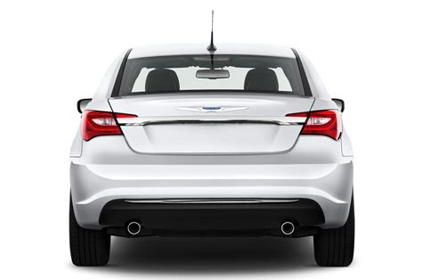 2014 chrysler 200 review 2014 chrysler 200 reviews and rating motor trend