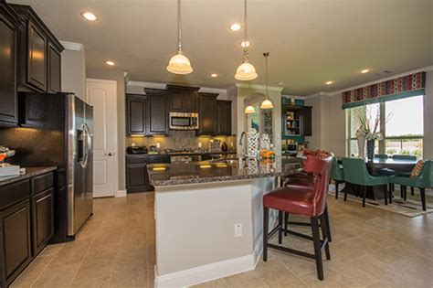 lennar opens two new model homes in lakes of