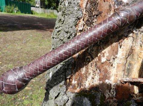 Handmade Bullwhips - handmade professional cowhide leather 16 plait bullwhips