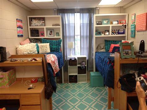 dorm headboard shelf 25 best ideas about dorm room shelves on pinterest dorm