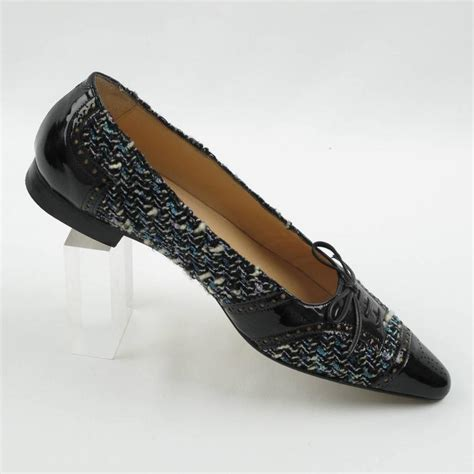 Manolo Blahnik 5 manolo blahnik black patent leather and tweed flats shoes size 37 5 for sale at 1stdibs