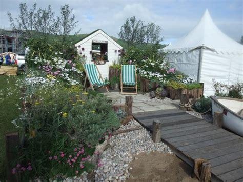 Seaside Garden Ideas Lovely Seaside Themed Garden Idea My Style