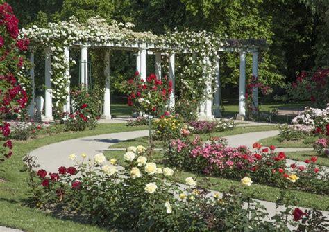 Creer Un Jardin Fleuri Toute L ée by Emejing Image De Jardin Fleuri Images Amazing House