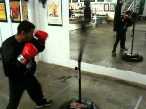 2011 01 14 abf 7 30pm pro boxer danny alvarez hitting