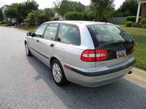 sell   volvo  wagon  miles  door  heated leather seats  reserve  greer