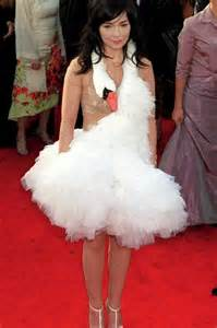swan dress dead looking swan anyone bj 246 rk s swan dress from the 2001 oscars continues to top worst
