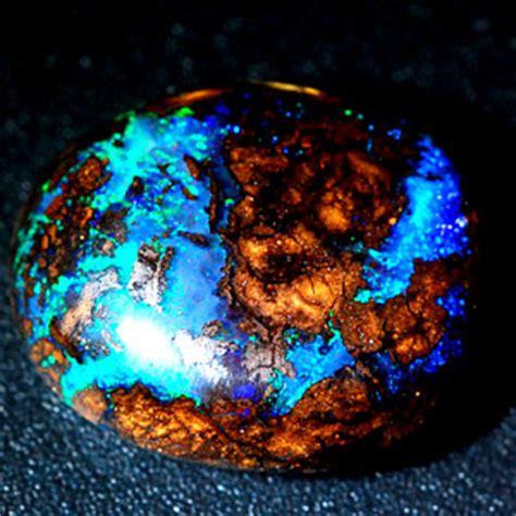 Opal Mexico 6 485 Ct 3 34 carats