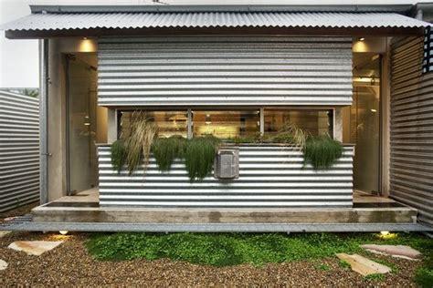 tamarama semi  facade house architecture tin house